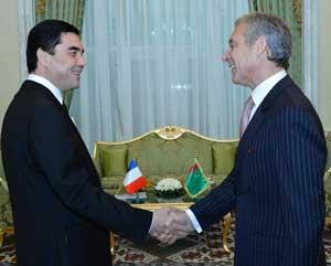 Le président Berdymoukhamedov avec Gilles Rémy